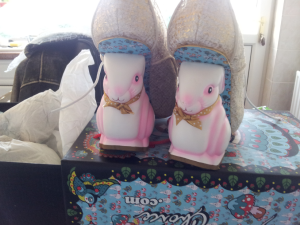 The AW2013 Flopsy Bunnies shoes from Irregular Choice, in gold/white.