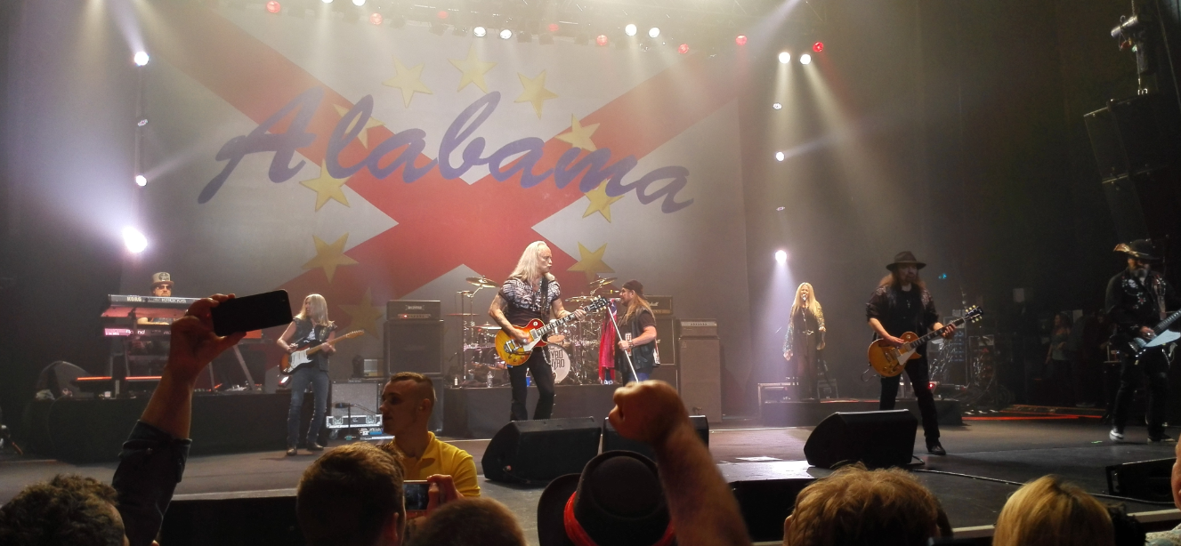 Lynyrd Skynyrd in concert Manchester April 22nd 2015 Sweet Home Alabama Confederate Flag