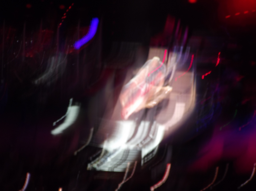That's Pete Townshend in the middle of the most trippy photo I've ever taken in my life.