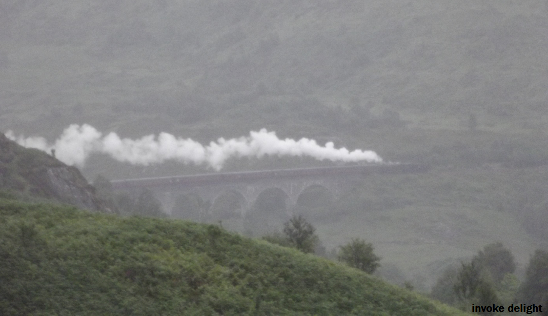 A STEAM TRAIN ON THE GLENFINNAN VIADUCT!!