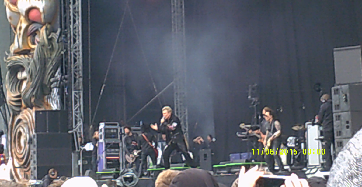Billy Idol at Download 2015. I didn't know my camera did this stupid date stamp until I got it home and uploaded everything. How irritating!!