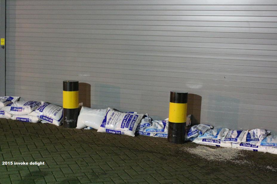 York 2015 floods lols stupid flood people salt bags ASDA.