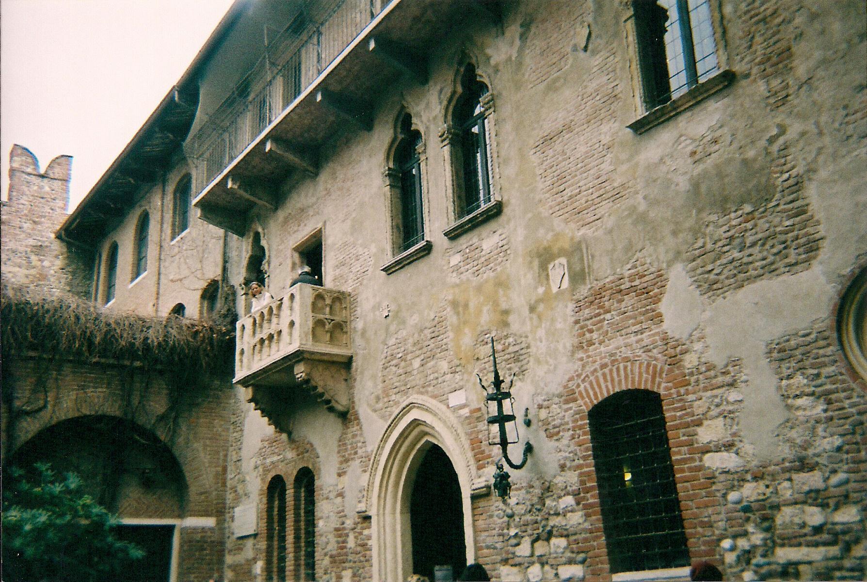 Juliet's balcony, Casa di Giulietta, Verona, Italy.
