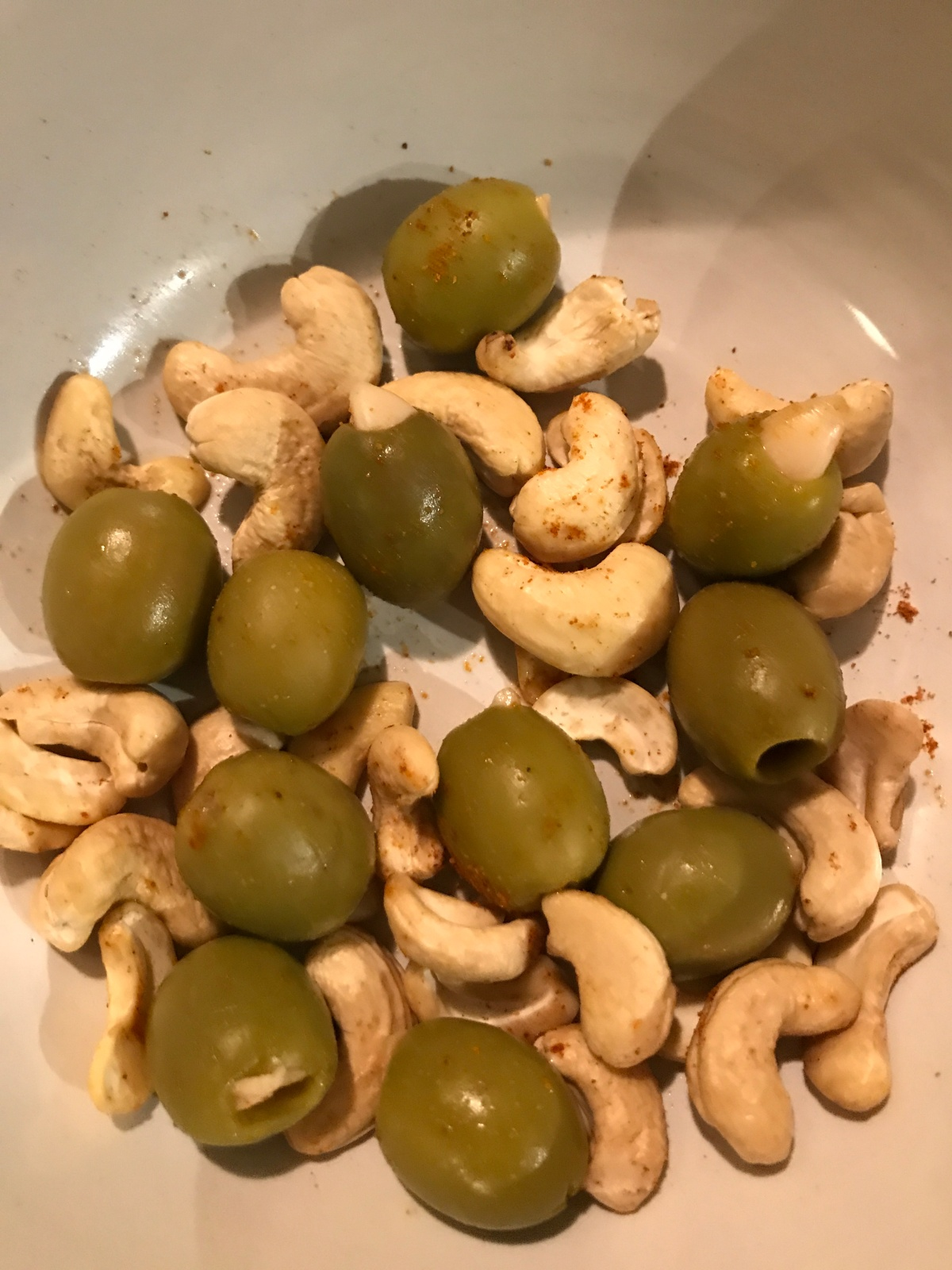 Easy Spanish tapas style olives and cashew nuts(vegan)